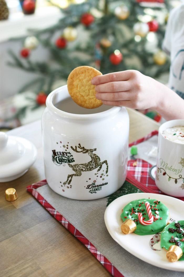 Reindeer personalized cookie jar 1