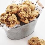 Keto chocolate chip cookies_edited-1