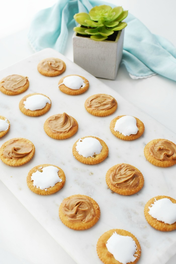 Peanut Butter with marshmallow crackers 1
