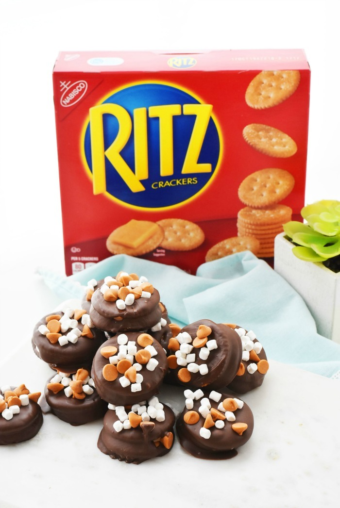 Ritz Peanut Butter and Marshmallow Sandwiches 1