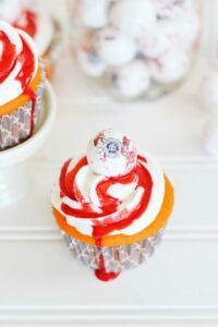 Bloody eyeball cupcake
