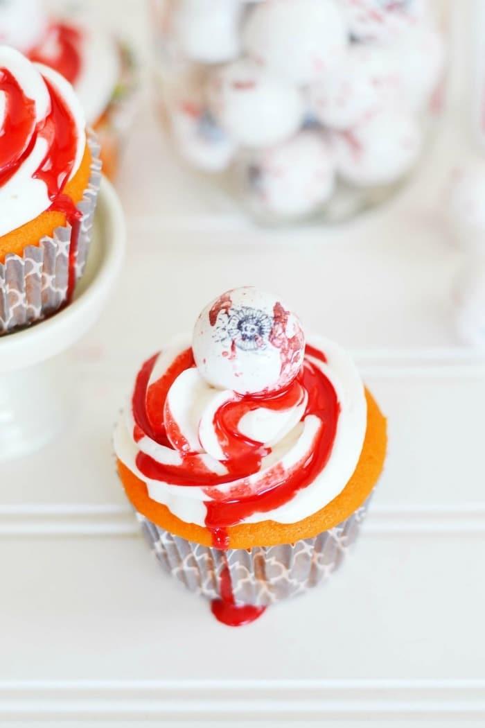 Bloody eyeball cupcake