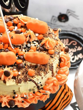 Pumpkin Halloween Ice Cream Cake