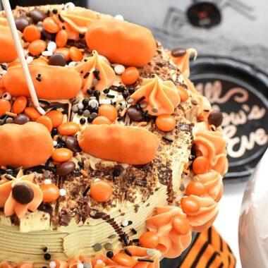 Pumpkin Halloween Ice Cream Cake