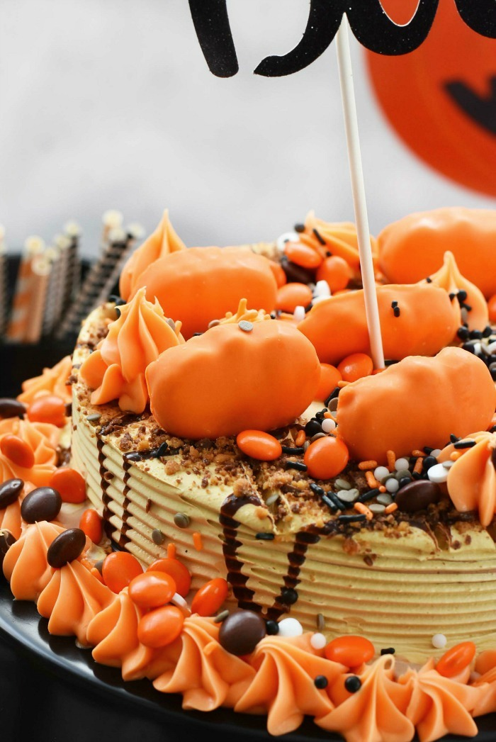 Reeses Halloween Ice Cream Cake DIY