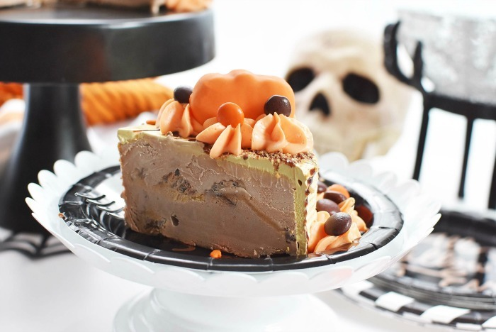 Reeses Pumpkin Cake on Halloween plate.