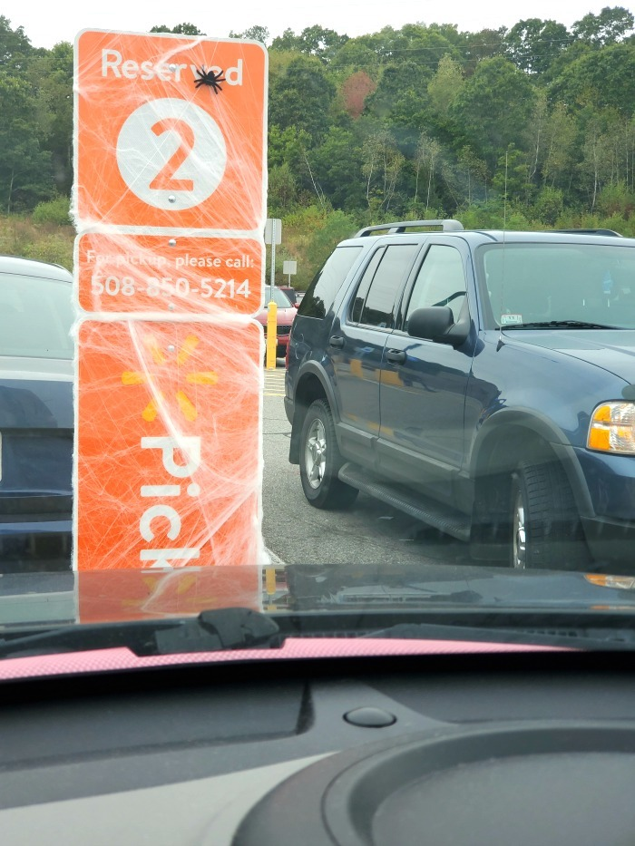 Walmart Grocery Pickup tailgating