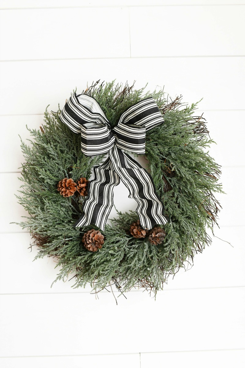 Farmhouse Black & White Bow Wreath