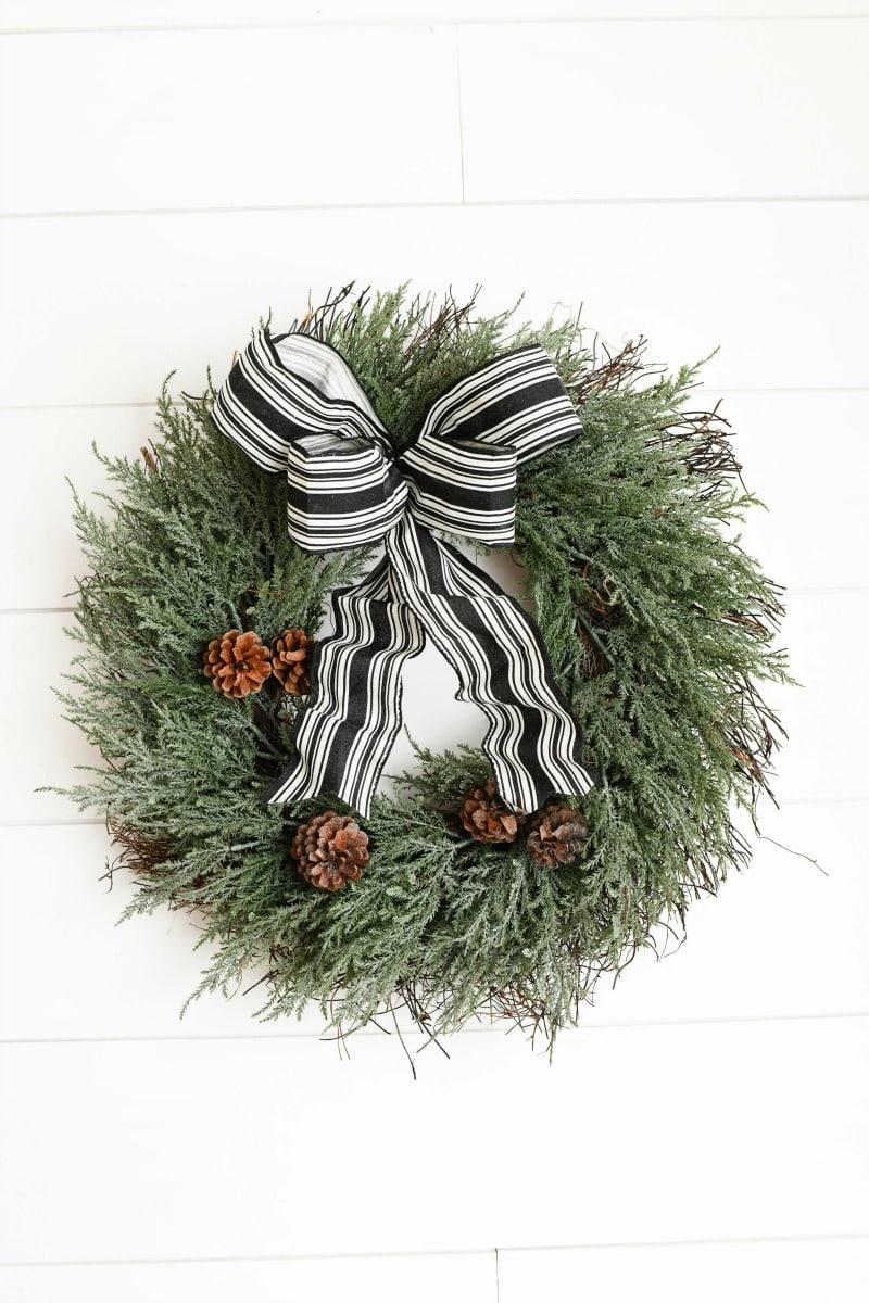 Farmhouse Black & White Bow Wreath