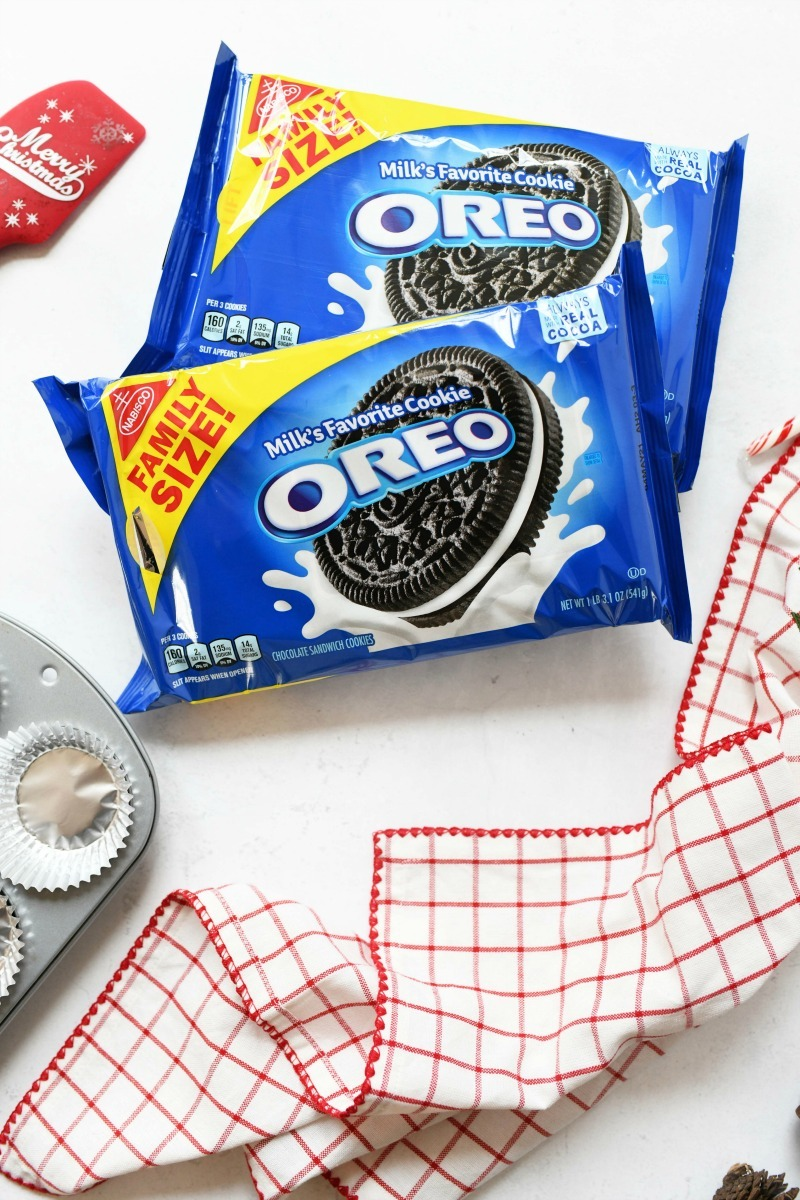 OREO Family Size cookies with a plaid napkin.