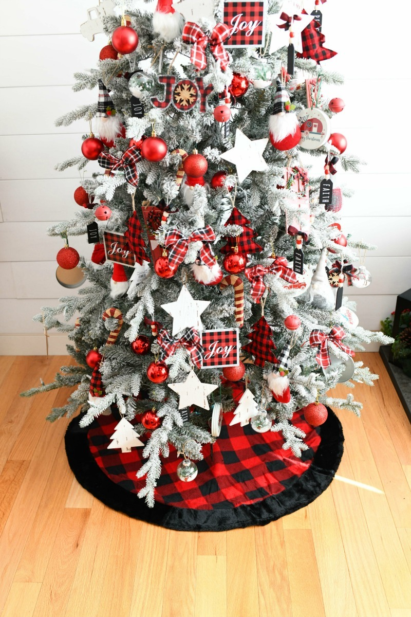 Buffalo Plaid Tree Skirt with plaid tree skirt.