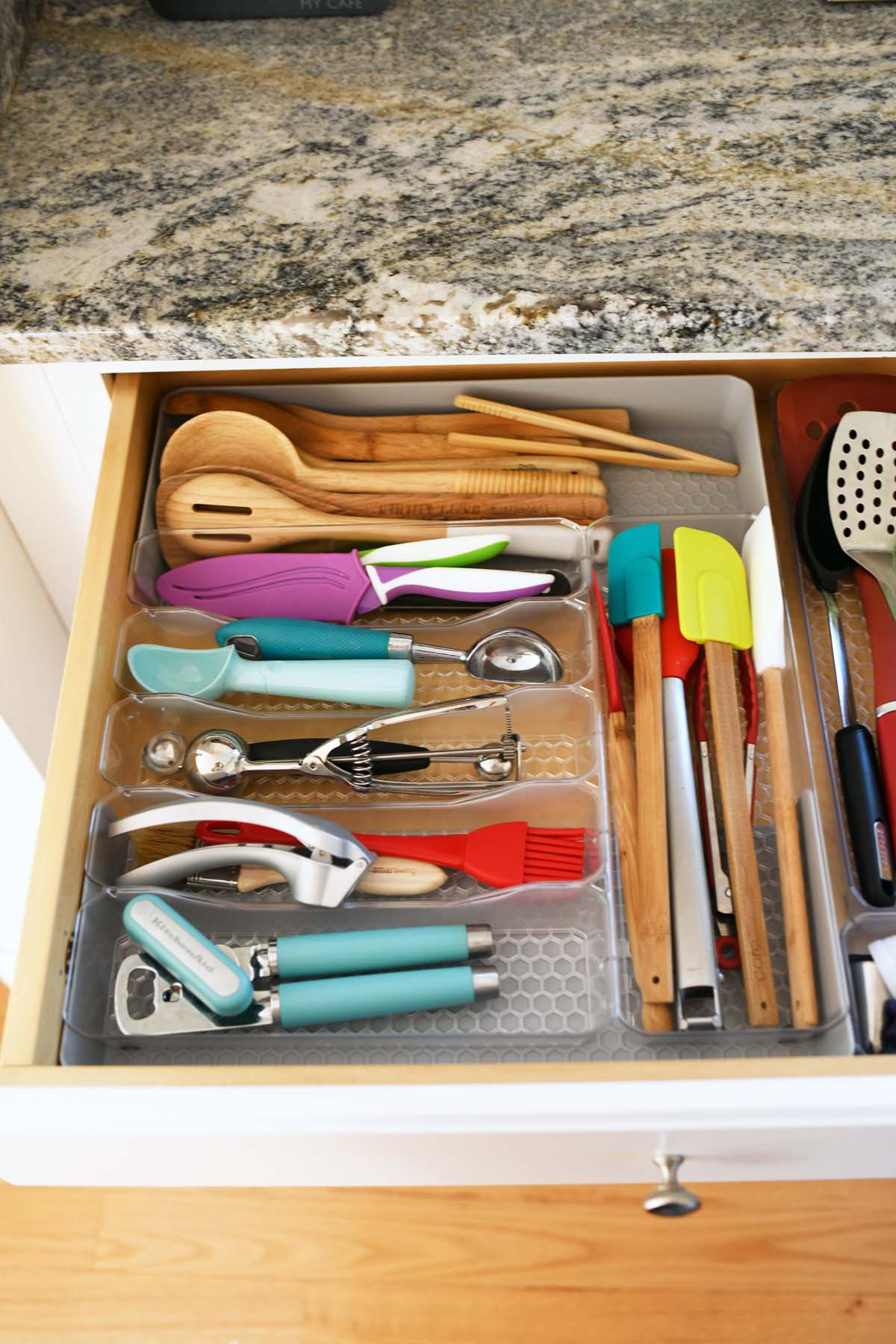 Kitchen Drawer - organized with Hexa by spectrum containers.